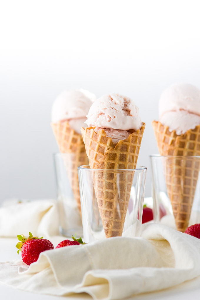 Roasted strawberry and buttermilk ice cream recipe. Delicate aroma of the roasted strawberries combined with the tartness of buttermilk and sourness of the lemon, plus the fragrance from the lemon zest takes the strawberry ice cream to a whole new level. VERY delicious summer ice cream!