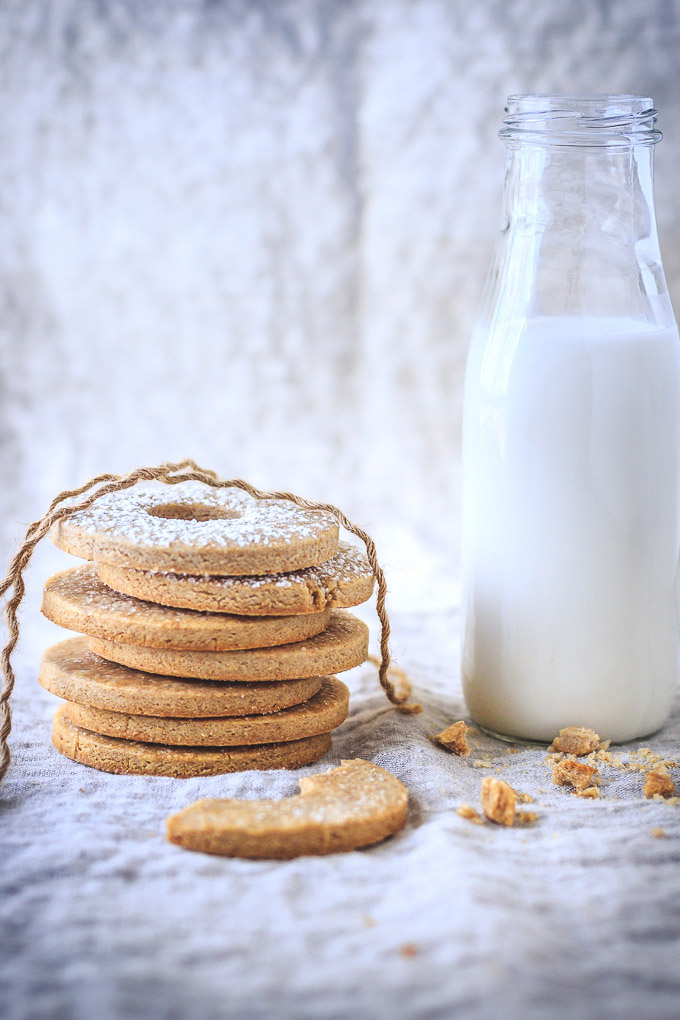 Swedish Whole Wheat Butter Cookies recipe to cheer you up during cold and dark winter days. Healthier option to enjoy, and fun idea for the cookie swap. Grab a glass of milk, get comfy and fall in love with Swedish baking.