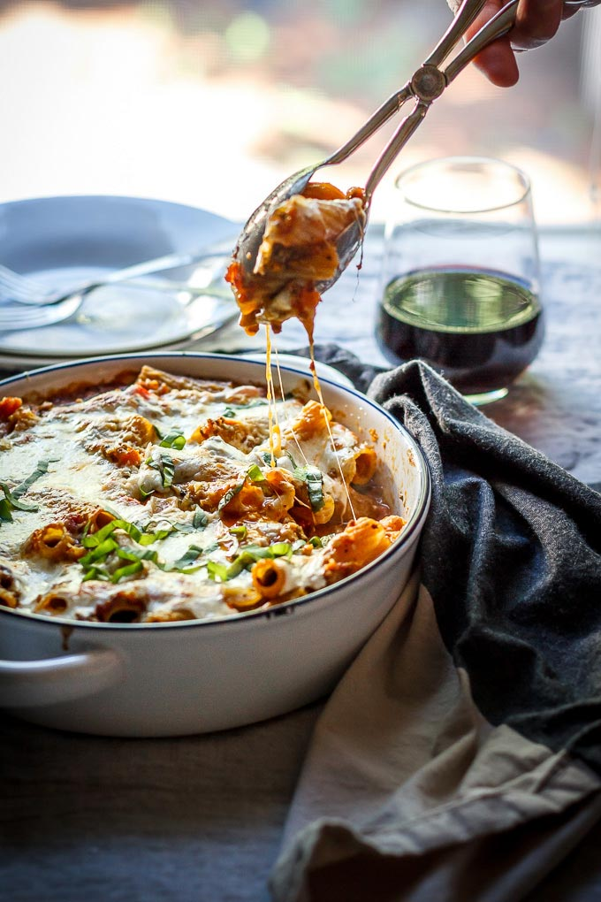 Lighter ground beef pasta casserole recipe to make on busy weeks. Easy and fast to make, one-pot, comforting meal to satisfy your whole family. As a bonus, this is a lighter casserole to avoid extra needless calories.