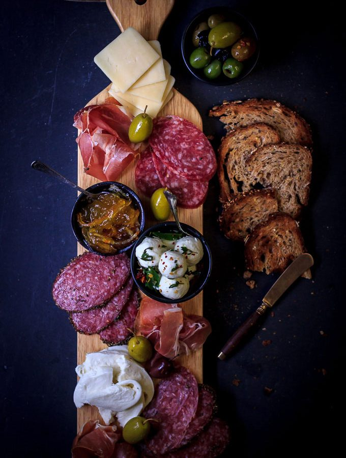 How to Make Perfect Antipasto Platter for Valentine's Day