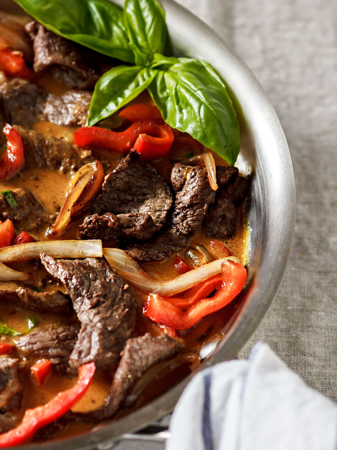 20 minute Light and Easy Thai red curry beef dinner