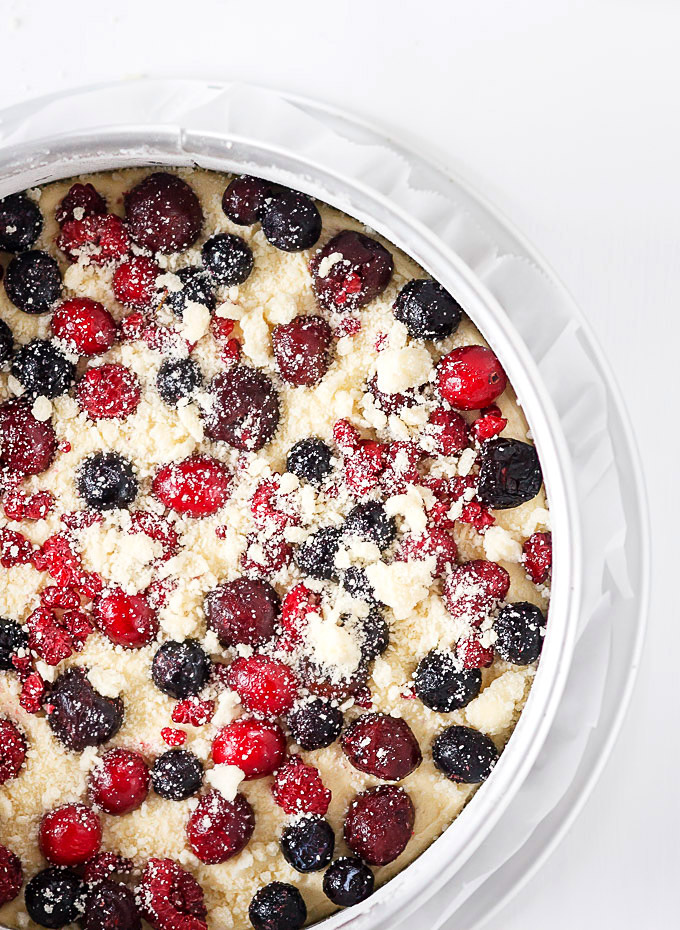 This effortless mixed berry sour cream cake recipe is perfect for any occasion or when you need a little extra cheer me up treat. Super easy and fast to make, AND low on sugar. The delicate sweet and tangy taste, the melt in your mouth buttery texture, and the pop of different colors are worth your time.
