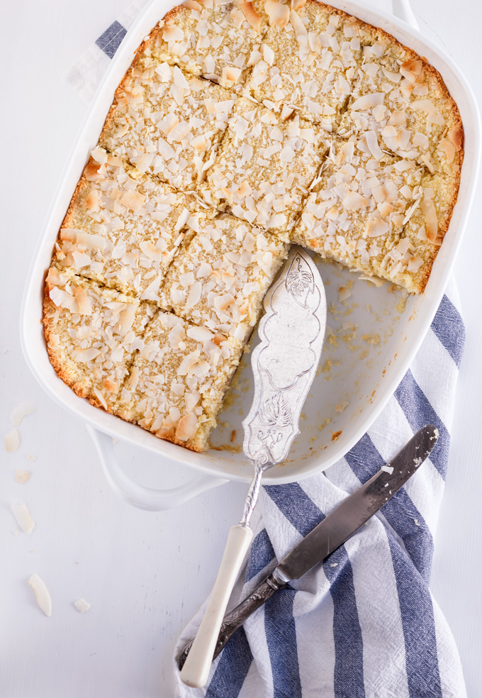 Banana coconut bars recipe is an elegant and easy to make dessert to enjoy all year round. The active prep time is less than 20 minutes. The ingredients are very simple, and most of the time you have them in your kitchen!