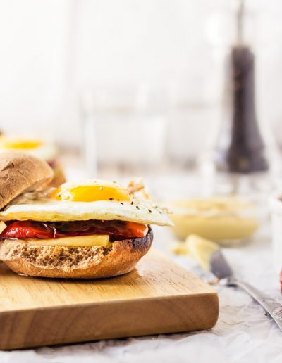 This breakfast egg sandwich recipe is healthy, easy to make and a delightful option to make for breakfast or brunch. With just 5 ingredients and 15 minutes, you'll have a delicious, healthy egg breakfast sandwich to comfort you and make your day a little better and happier. Head over to the blog to learn how to make egg sandwich. #eggsandwich #sandwich #recipe #eggs