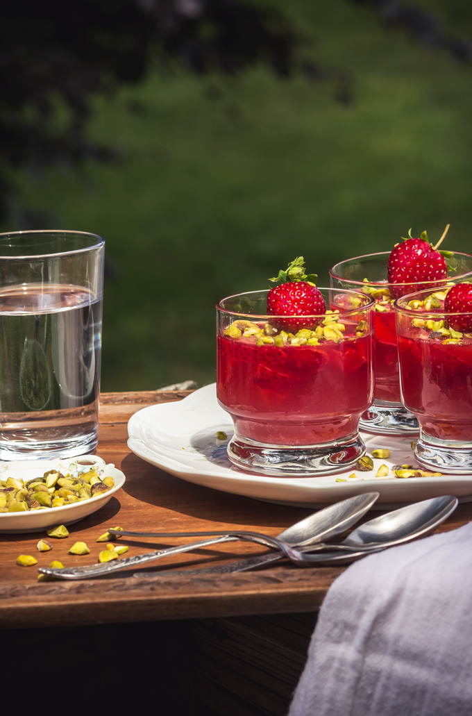 Today I want to share with you the fragrant rosé wine and strawberry gelee recipe. Perfect summer dessert that combines two delicious things: fresh seasonal strawberries and tasty rosé wine. Make it for parties, guests, on hot summer days or enjoy it anytime you want. For sure these rose wine gelee will bring some joy and fun! #strawberry #rosewine #dessert #gelee